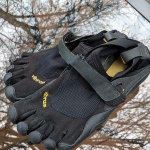 Men's Five Fingers Vibram Black Shoes Size 8/38